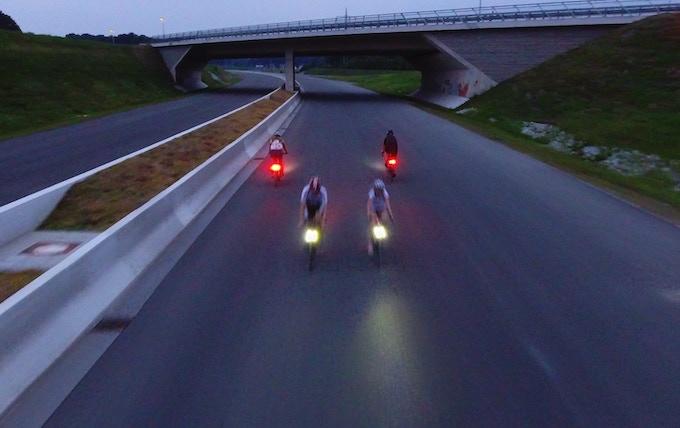 Magnic Microlights - бесконтактный фонарь для велосипеда