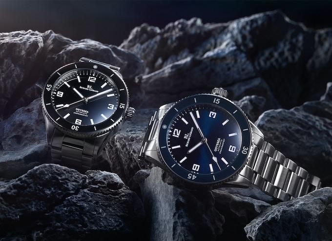 Odyssea Mark II Black (left), and Odyssea Mark II Ocean Blue (right)
