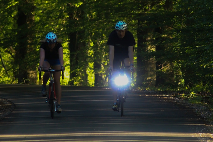 Daylight cycling with or without light?