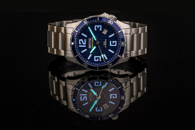 BGW9 Blue Swiss Superluminova