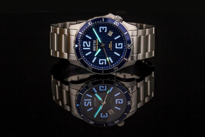 BGW9 Blue Swiss Superluminova