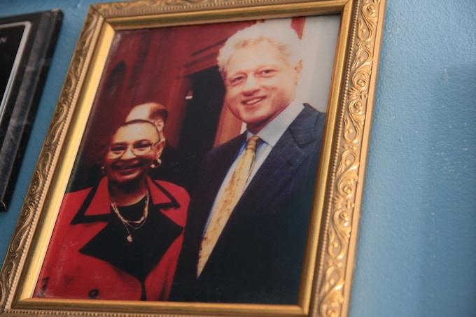 """Mamie """"Peanut"""" Johnson with Bill Clinton"""