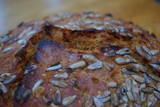 Oven Spring: No knead whole wheat LoafNest bread with sunflower seeds