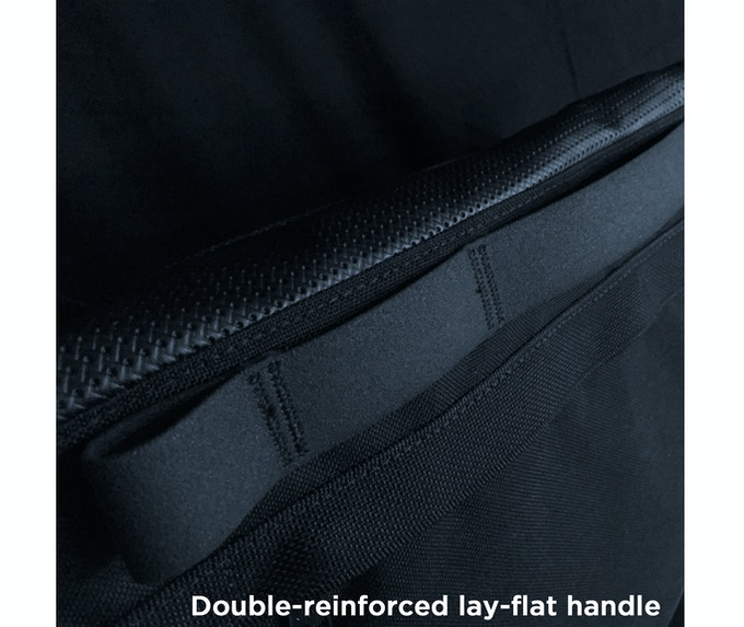Foam-treated 1000lb. tear strength Biothane handle lays flat and out of the way… except when you need it.
