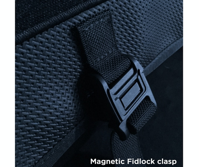 One-handed magnetic+mechanical Fidlock clasp. The clasp will snap together when the magnets get close enough, but you need to push the halves side to side to open it again. Great engineering.