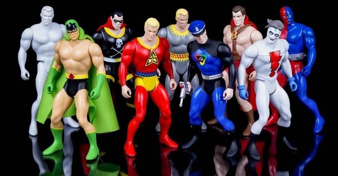 Amazing Heroes image from ToyArk.com