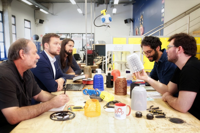 The team at work at TechShop - Ateliers Leroy Merlin