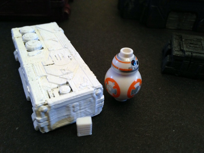 Barrack with BB-8 (~23mm tall) and a 6mm block for scale