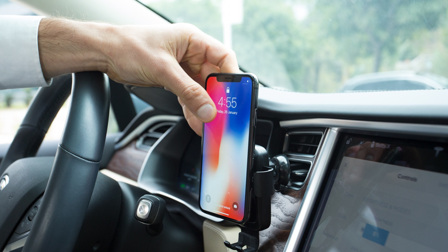 mofin the best gravity wireless phone charger for car by. Black Bedroom Furniture Sets. Home Design Ideas