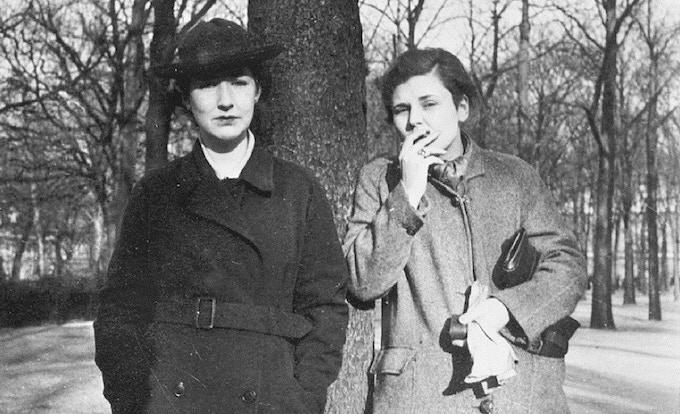 Louise Crane and Elizabeth Bishop in 1937