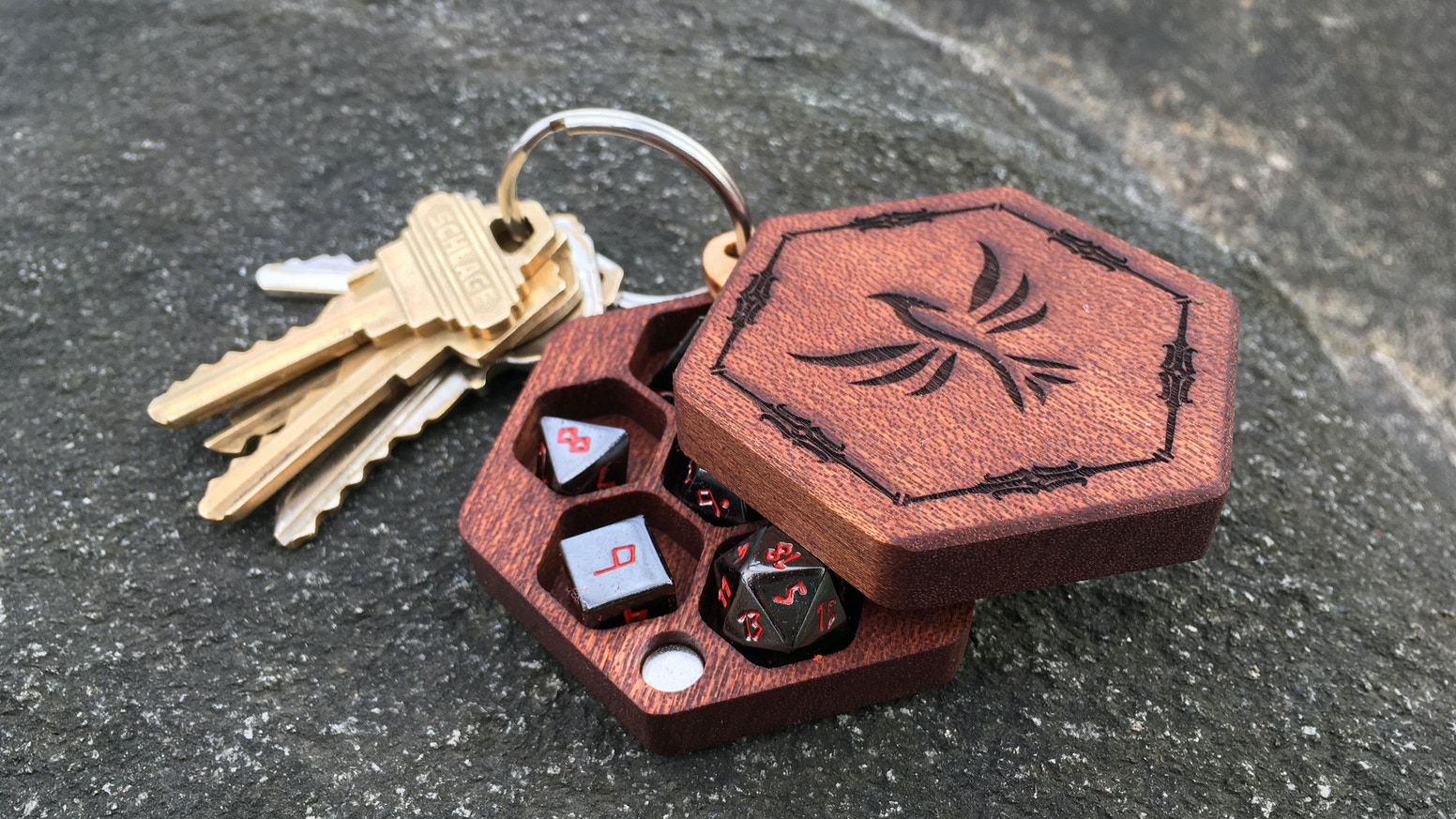 Go small and go home: tiny dice with tiny dice boxes