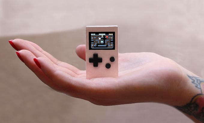 PocketStar - Play retro games on your keychain! by Zepsch