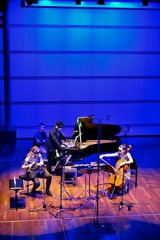 Helen, Zubin & Val playing in Lausanne, click here for RTS Radio broadcast
