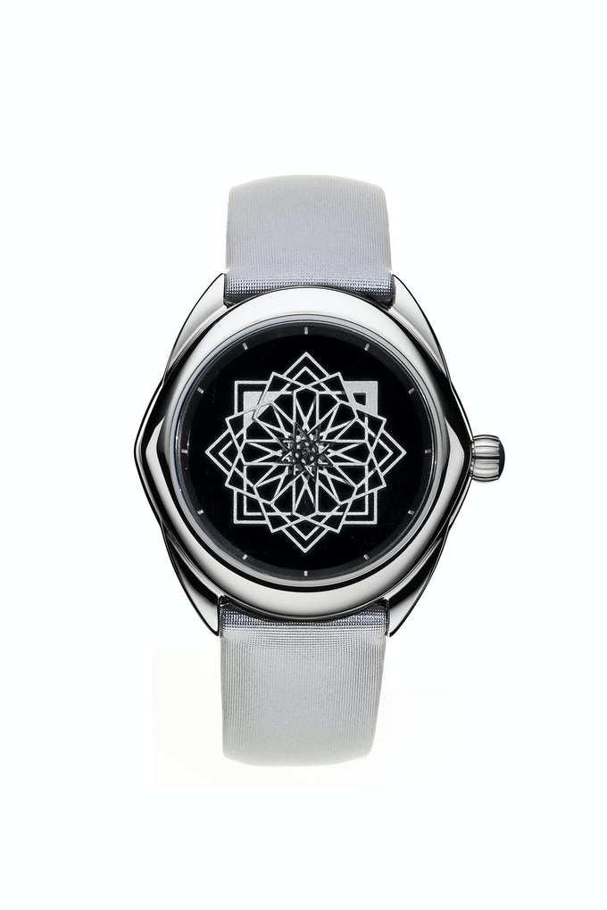 TANOURA - Onyx  Dial - 37mm / Limited Edition of 100 pieces  CLICK HERE TO SEE THE VIDEO