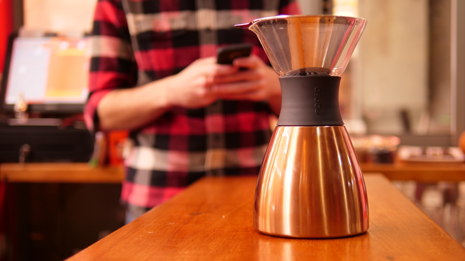 A fusion of classic style and modern technology that creates the best tasting coffee that can stay Hot and Fresh for 12 Hours!
