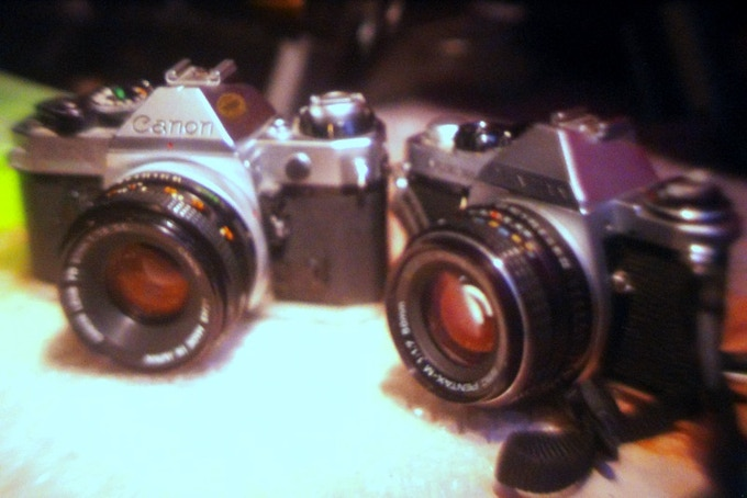 Nikon Fe 50mm 1.2 + Im Back®