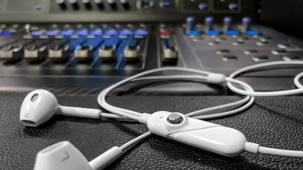 Cave GH3 3D Earbuds - Upgrade Your Mobile Audio Experience project video thumbnail