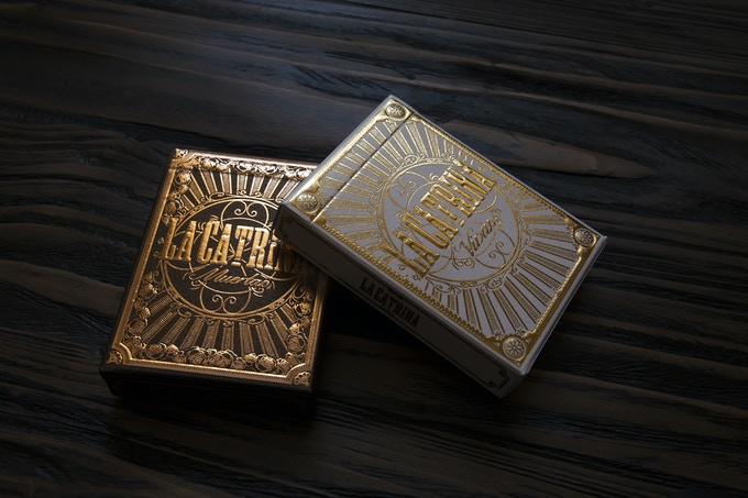 Special yellow gold foil for Vivas deck