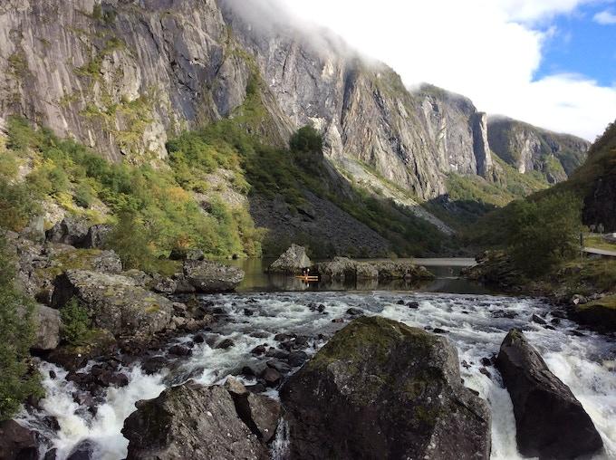Traveling lake to lake in Norway