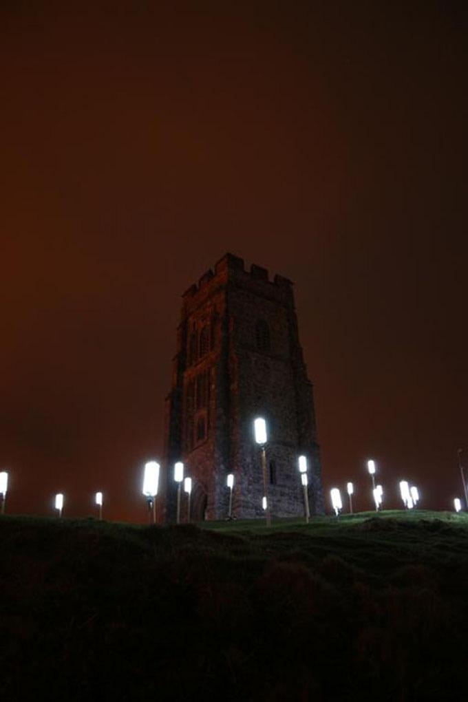 See the wind - Firewinders on Glastonbury Tor