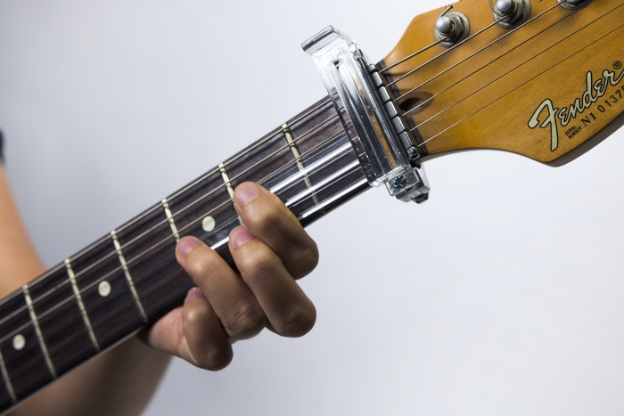 The first teaching tool that makes learning to play the guitar quick and easy, while teaching proper form and building muscle memory!