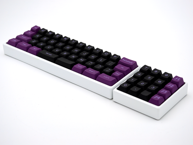 A MiniVan keyboard with double-shot key set