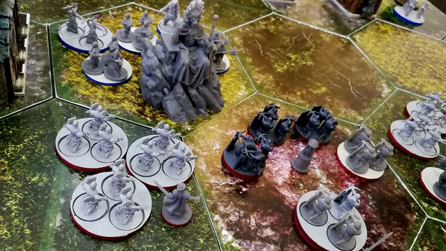 L'Antéchrist lance l'offensive contre la colline fortifiée anglaise