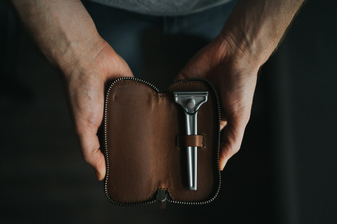 The Single Edge Travel Case