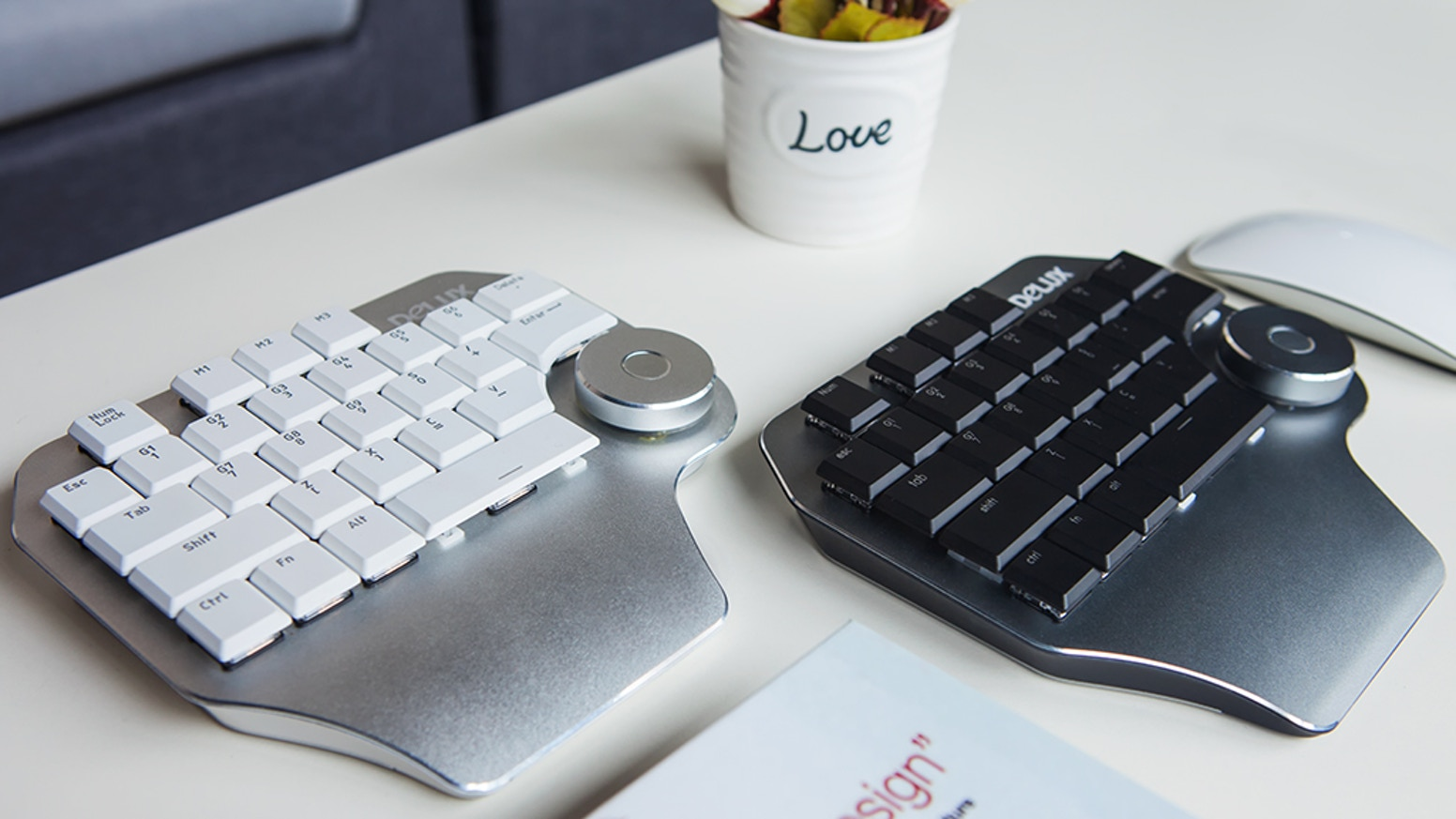 Customizable shortcut keys, command sequences and multifunctional dial. Increase efficiency of designers by 80%