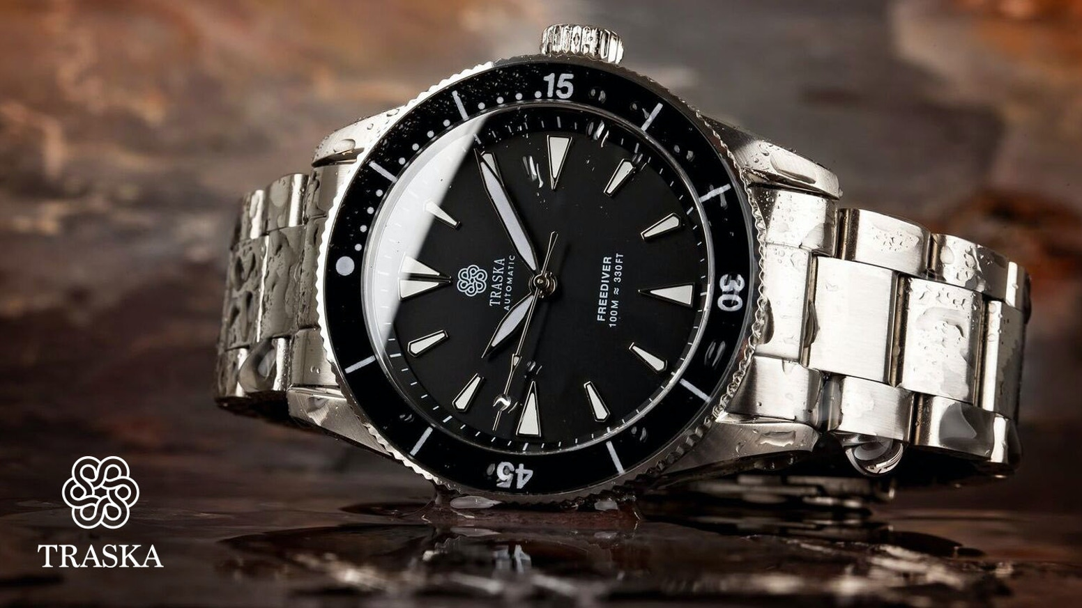 A scratch-resistant, waterproof, and shockproof automatic watch that couples robust construction with a timeless aesthetic.
