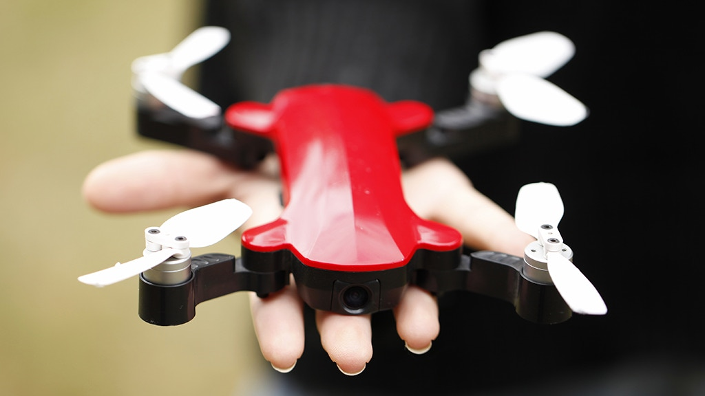 Fairy Drone: The Ultraportable FHD Aerial Photographer $99 project video thumbnail