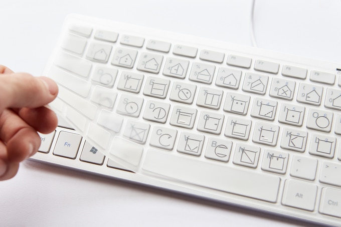 The ELIA tactile keyboard cover, so you can easily learn the system and type faster.