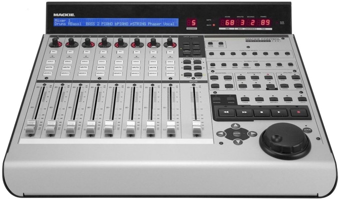 Mackie Control Universal Pro 8-Channel