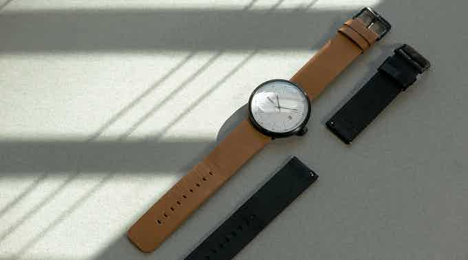 Each MOT watch comes with 2 sets of black & tan leather straps with quick-release function.