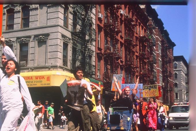 Fringe Parade 2000 ©Dixie Sheridan