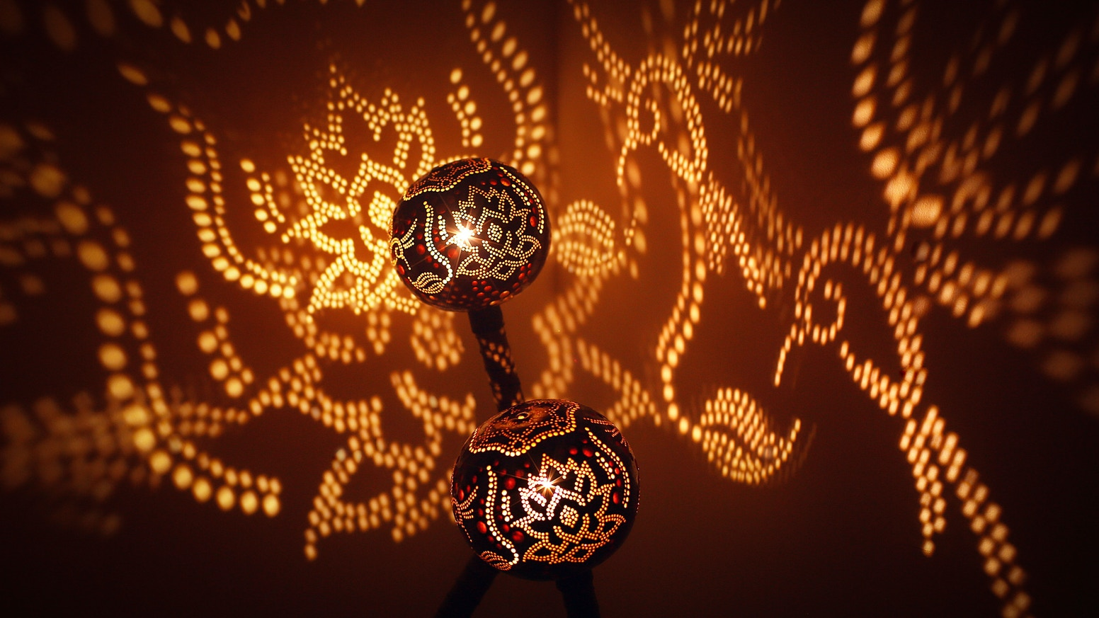 Light Piece bringing Mesmerizing Art to life. Crafted with Precision.