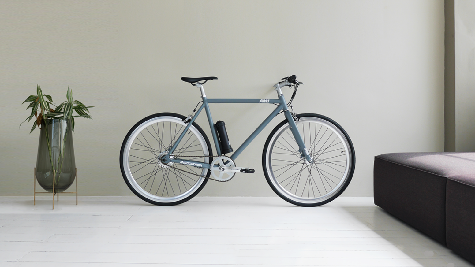 The AM1 is a minimal urban electric bike by Analog Motion.