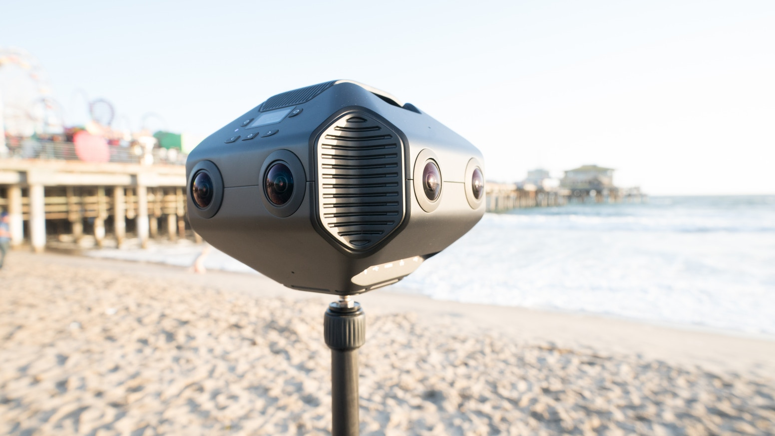 Capture 12K images and 8K video with world's first 3D 360° VR camera with AI chip for professionals.