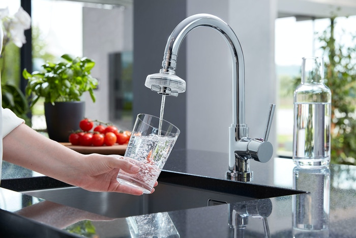 Forget about buying expensive bottled water and reduce plastic waste by more than 99% with our faucet filter.