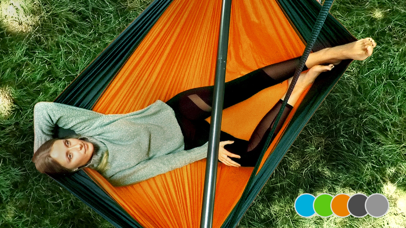 SkyFloat is stylish, ultralight & set up in seconds – a true must-have for your outdoor adventures! www.element5.zone
