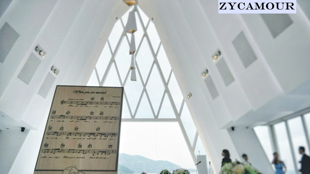 ZYCAMOUR: Song ? Home Décor