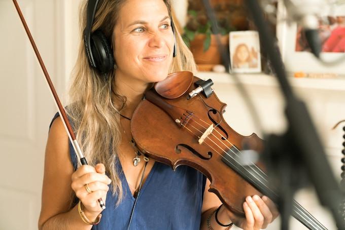 Genevieve Walker, violin