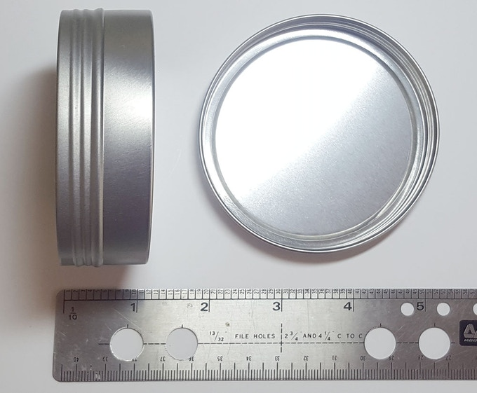 Carrying Tin (comes with a Color Wheel & Mixer pair purchase)