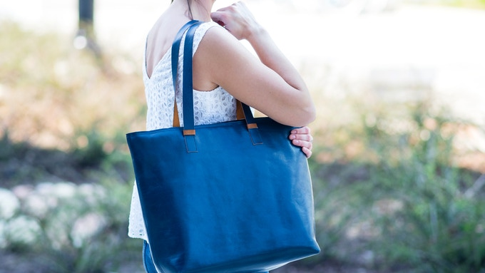 The Curie Bag in Navy