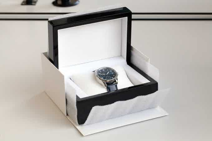 A wooden box will welcome your watch