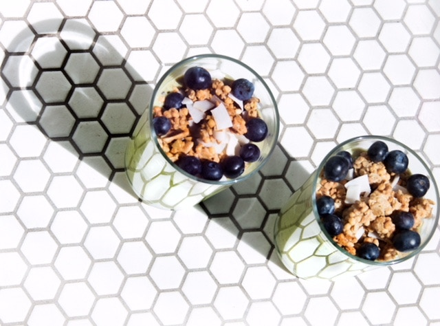 Kale Shake with Granola, Blueberries & Toasted Coconut