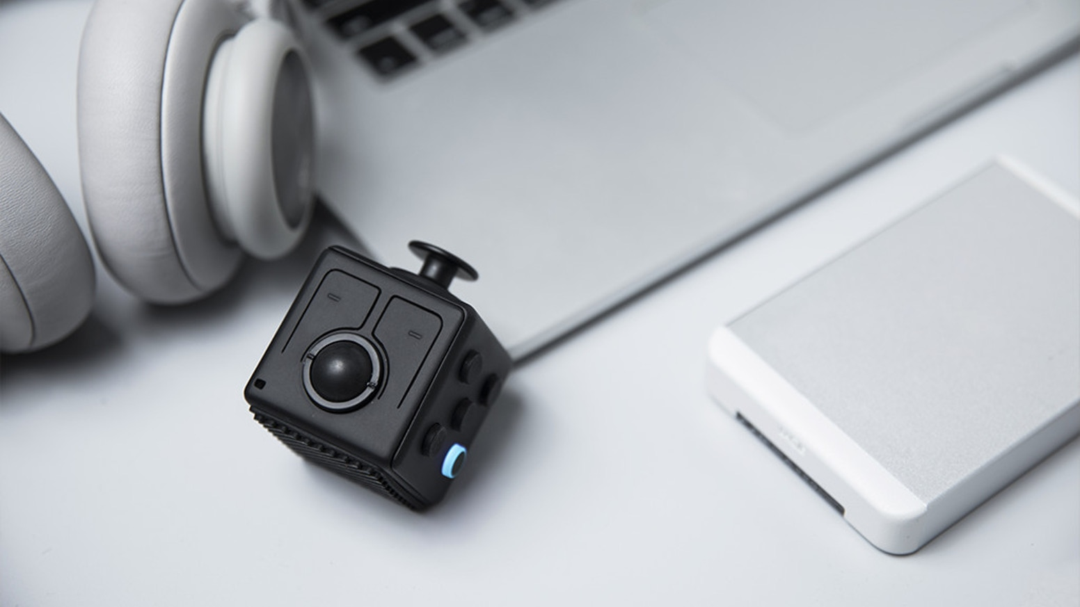Unprecedented Bluetooth-powered fidget gadget, allowing fidgeters to level up at work and play!