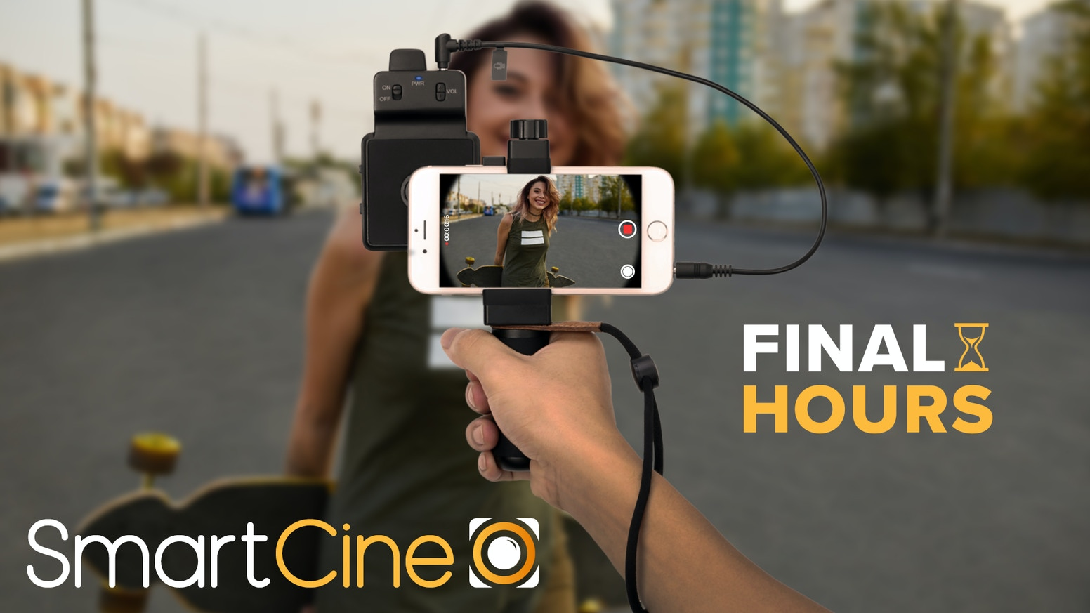 An all-in-one video rig for any smartphone. A pro stereo microphone, LED light ring and set of wide-angle lenses in one compact package.