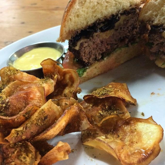 Beef burger with housemade sweet potato crisps