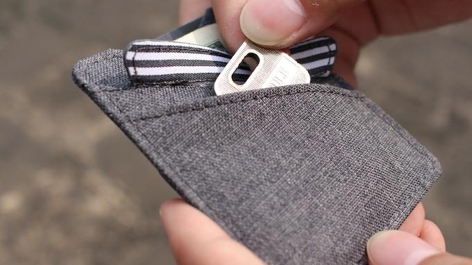 Back cap-pocket for keys and coins